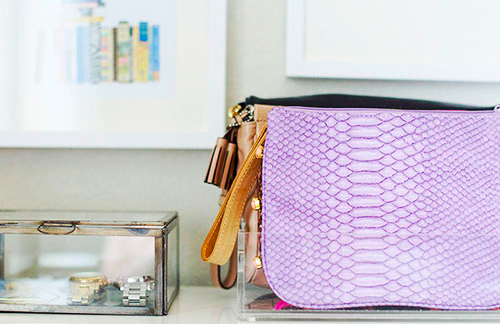 Lucite-tray-as-a-clutch-holder