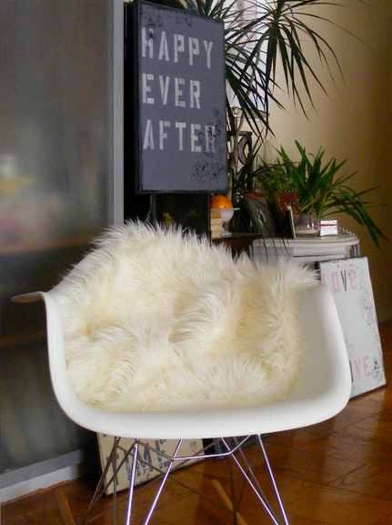 Sheepskin-faux-ikea-throw-over-office-desk-chair