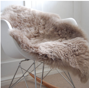 Sheepskin-throw